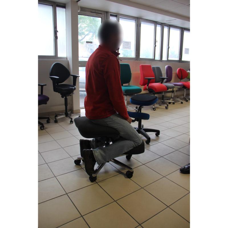 Essai-assis-genoux-BLOIS-IMG_9571-floutée-carrée-800x800 La résurrection : maintien d'une activité professionnelle avec l'enfer des douleurs clunéales et pelvi-périnéales