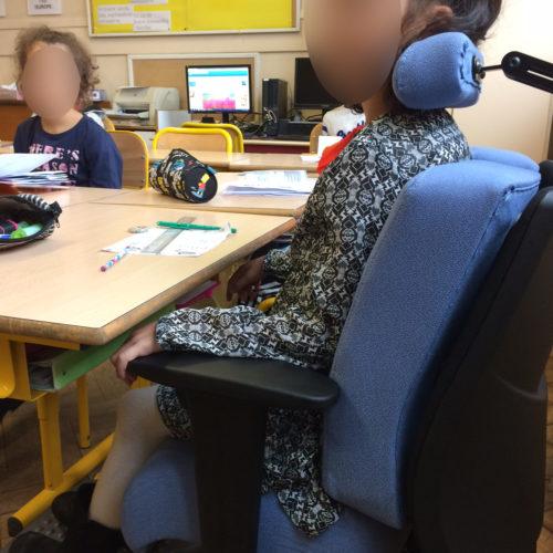 IMG_6016-floutée-500x500 Je suis très contente d'avoir cette chaise car enfin je peux m'asseoir sans avoir de douleurs derrière le dos et la nuque toute la journée.