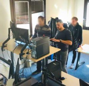 Photo-installation-1-300x289 Encore une installation réussie chez le leader mondial des bases de données !